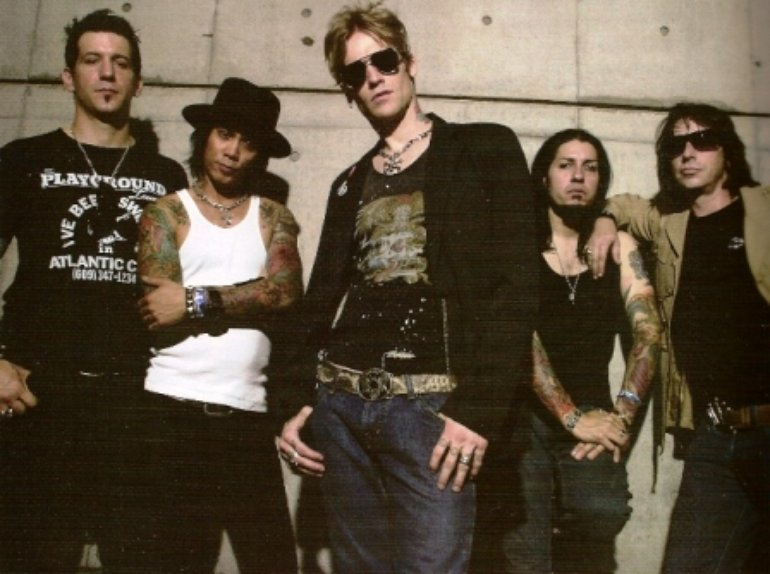 Buckcherry with bif naked and special guest age of days