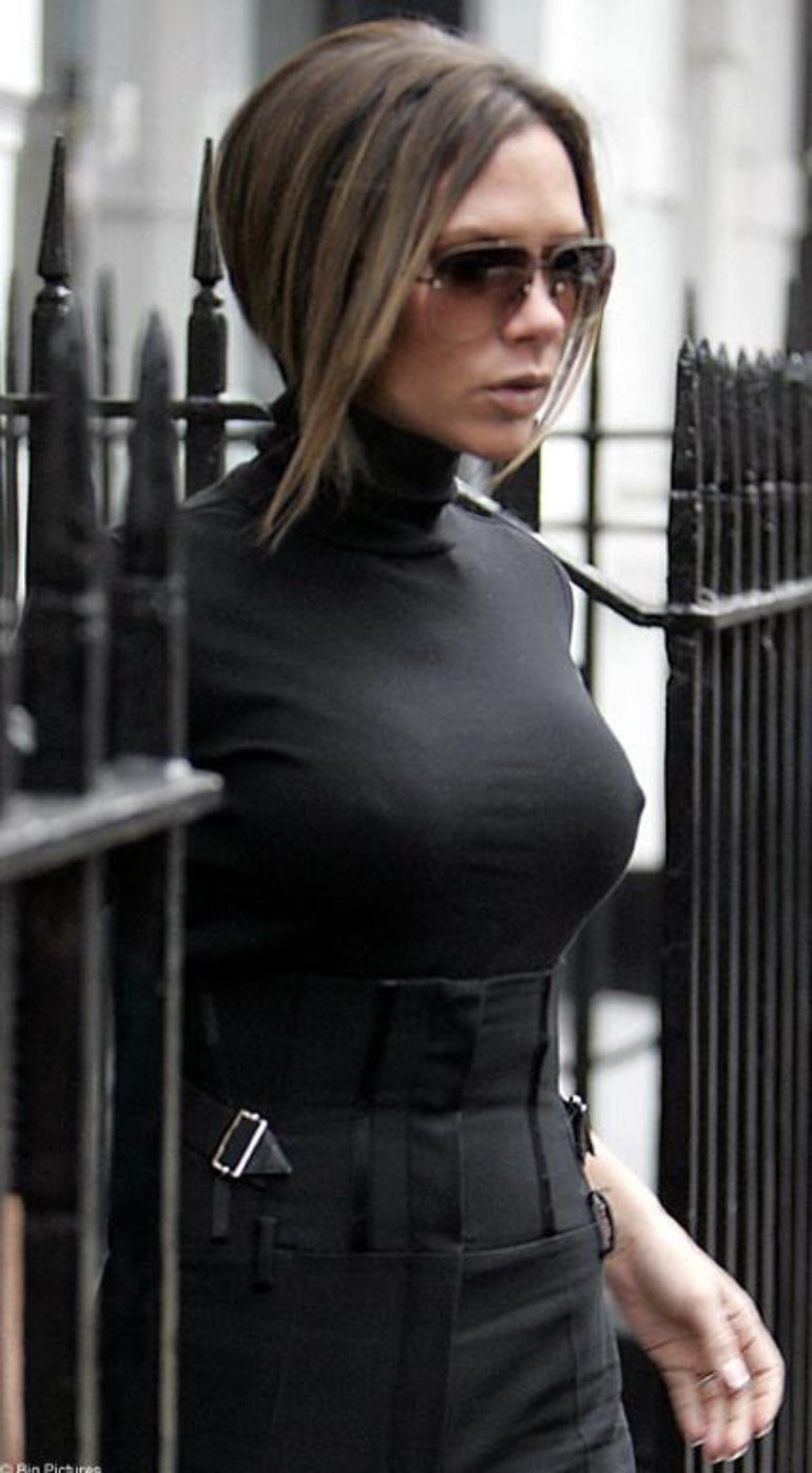 Victoria Beckham Nipples