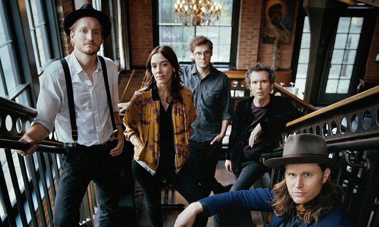 Lumineers-III-press-shot-2019-web-optimised-1000.jpg