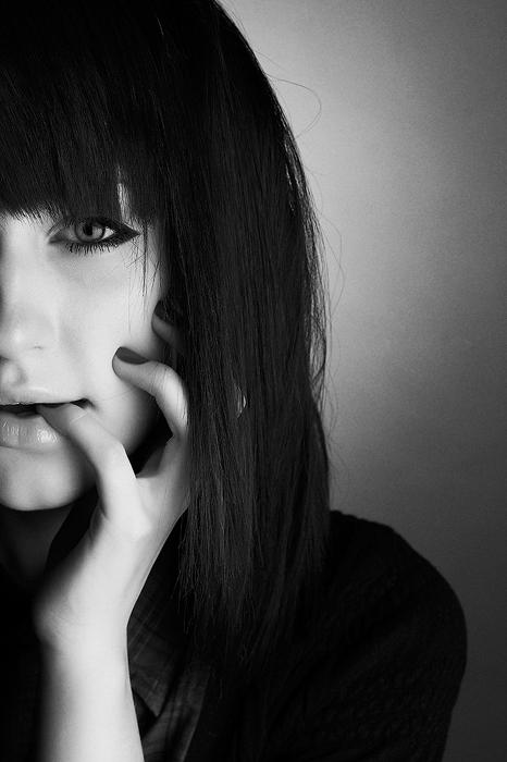Картинки девочка с челкой без лица