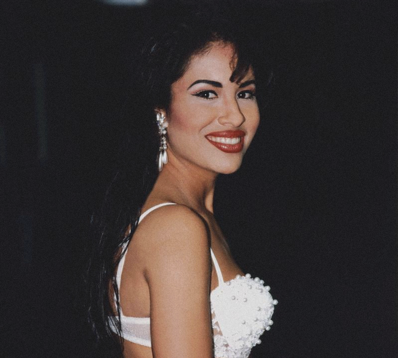 Selena Lyrics Music News And Biography Metrolyrics