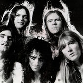Alice-Cooper-band-portrait-resized.png
