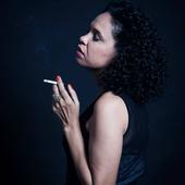 Teresa Cristina Retratos Sonoros - Foto de Daryan Dornelles.png