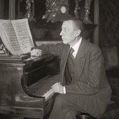 Rachmaninoff - Steinway grand piano