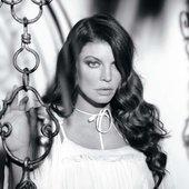 Fergie | ELLE US – may. 2010