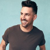01-Jake-Owen-cr-Robby-Klein-2019-press-billboard-1548.jpg