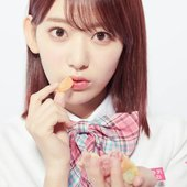 Miyawaki_Sakura_Produce_48_promotional_photo_8.jpg