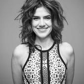 Mariana Aydar  - Foto de Caroline Bittencourt.png
