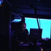 Synthlabor, der Mann an den Tasten