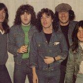 AC / DC (Mal, WTF? :))
