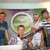 Нас как участников TRANCEMISSION пригласили на Радио Record