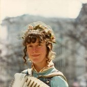 The Space Lady AKA Suzy Soundz with Accordion