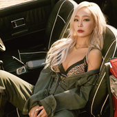Singles Korea Magazine
