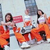 3YE_OOMM_teaser_photo.jpg