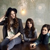 The-Staves-the-staves-34253878-1353-900.jpg