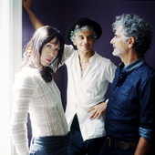 Blonde Redhead (by Julien Bourgeois)