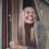 Joni at her Laurel Canyon home, 1970