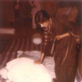 Raghunandan Panshikar receiving blessings from Smt. Kishori Amonkar