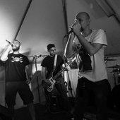 Affluente_italian-punk-band_live_pix.png