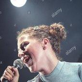 ruth-ann-boyle-of-band-olive-in-concert-on-stage-at-v97-music-festival-E98TPK.jpg