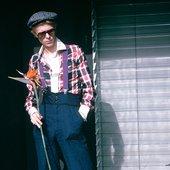 "David Bowie ""David Bowie-ing"" in California 1975"