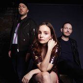 chvrches-2018-exclusive-please-credit-danny-clinch.jpg_4950x3300.jpg
