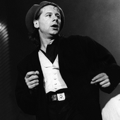 Jim Kerr performing with Simple Minds at the Greek Theater in Berkeley on April 26, 1986