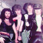 02-1983-hamburgi-pincés.jpg