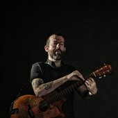 jon-gomm-photo-by-tom-martin-2.jpeg