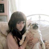 Nicole_Dollanganger_with_her_pug.jpg