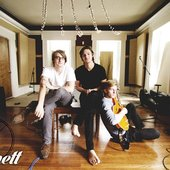 Bennet Band Wallpaper