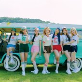play game: HOLIDAY - 4th mini album