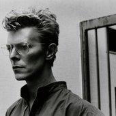 David Bowie - Glasses