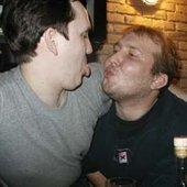 """Питрович и Тимофей пытаются проиллюстрировать песню \""""Настоящая любовь\""""."""