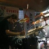 live_09