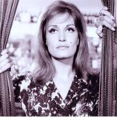 Dalida-Movie-Wallpapers-2.jpg