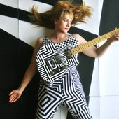 bcpnews-jenn-wasner-takes-flock-of-dimes-to-partisan-records-releases-new-guitar-20160628.jpg