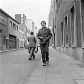 john cage im april 1992 auf einer münchner straße