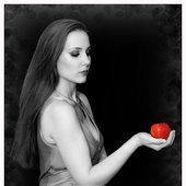 "Simone Simons as ""Temptation"" by Rudy De Doncker"