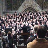 Lucie Ceralova wird begleitet vom Royal Liverpool Philharmonic Orchestra (Stabat Mater von Antonín Dvorák)