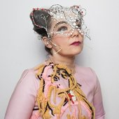 Björk, 2017