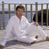 Daniel O'Donnell relaxing