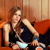Avril Lavigne-4k.png