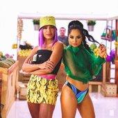 Musica de Anitta, Becky G