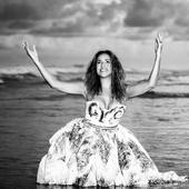 Daniela Mercury - Por Célia Santos.png