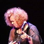 Sarah Jane Morris & Antonio Forcione - Compared to what - Sarah-Jane live-3.JPG