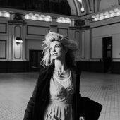 mindy-gledhill-creative-song-artist-female