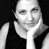 Carmen Linares No. 2