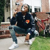 Rich-The-Kid-Supreme-jacket-Amiri-jeans-Off-White-Nike-Air-Max-90-sneakers.jpg