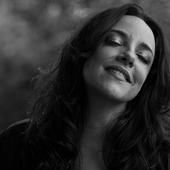 Ana Carolina - Foto de Daryan Dornelles.png